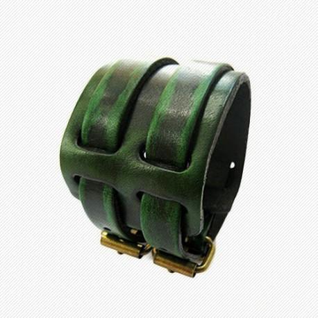 """Tamsiai žalia odinė apyrankė """"APR512"""""""