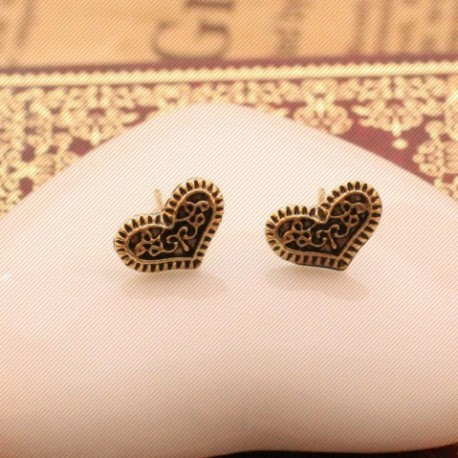 Širdelės formos auskarai