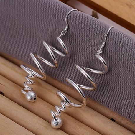 """Moteriški sidabriniai auskarai """"Sūkurys"""""""